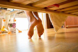 údržba podlah pod nábytkem