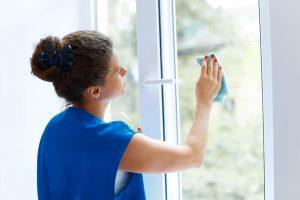 mytí ušmudlaných oken