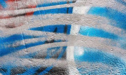 Odstraňujete graffiti? Hlavně nebuďte zbrklí a všechno si promyslete