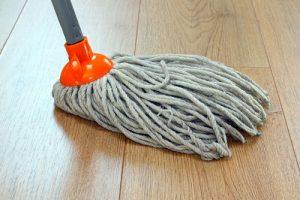 kdo čistí podlahy v Olomouci
