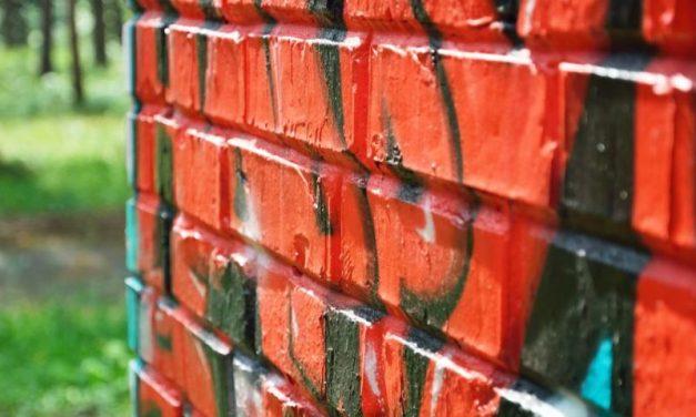 """Prevence před graffiti a vandaly od """"Odstraňování Praha"""" ulehčí spaní"""