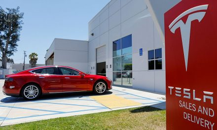 Elon Musk: Teď už je Tesla fakt opravdová automobilka