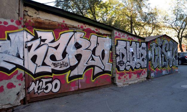 """Zhezčení školy sprejovými obrázky nedopadlo, proto je """"Mytí fasád, čištění graffiti Praha"""" úspěšně odstranilo"""