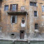 Ako odstranit pleseň z fasády