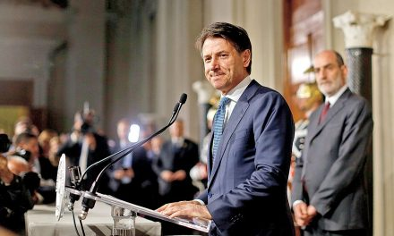 Itálie je vkrizi: antievropští populisté mohou ještě posílit
