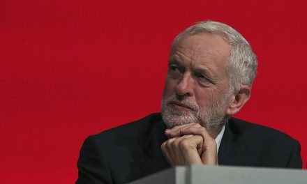 Volby, nebo druhé referendum? Výsledkem chaosu bude nejspíš tvrdý Brexit