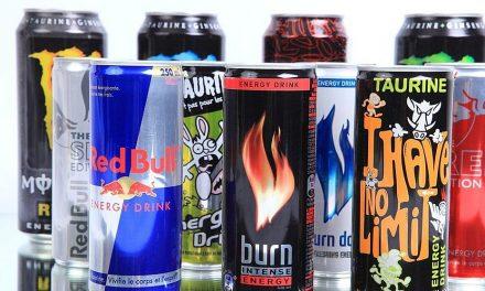 Anglie zakáže prodej energetických nápojů mladistvým