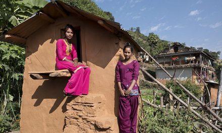 Po smrti dvou dívek zakázal Nepál vyhánění žen během menstruace