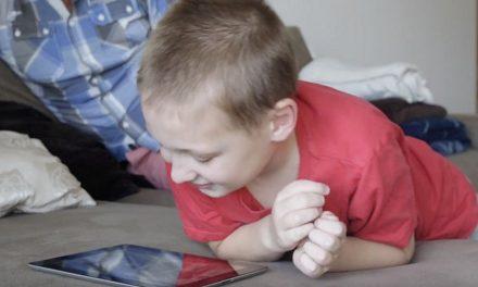 Děti úplňku: Home Sharing– Staňte se pečovatelem dětí sautismem
