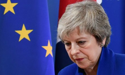 British Prime Minister Theresa May to Face a No-Confidence Vote Amid Brexit Chaos