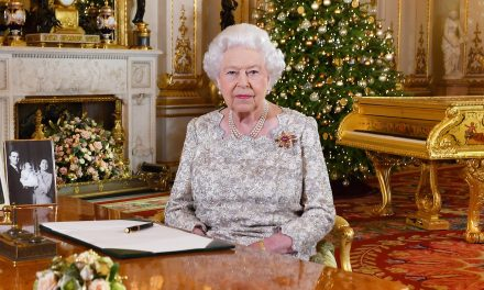 Queen Elizabeth Urges Mutual Respect in Christmas Message Amid Rancorous Brexit Debate
