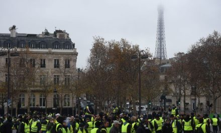 France Closes Museums and Eiffel Tower in Preparation for More Possible Protests