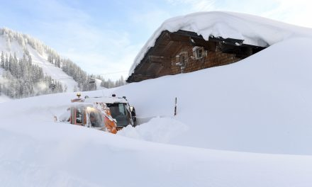 Avalanche Kills 3 German Skiers in Austria With 4th Still Missing