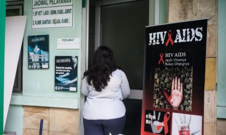 An Indonesian Elementary School Expelled 14 Children Because They Have HIV
