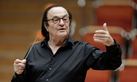 A Conductor Accused of Sexual Assault Returns to the Stage in Paris