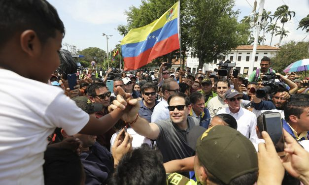 Marco Rubio Warns Venezuelan Soldiers to Let U.S. Aid Enter the Country