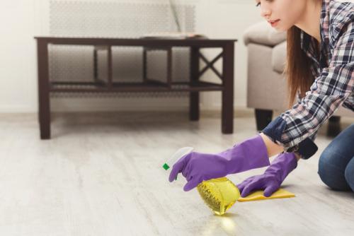 Impregnace vinylové, průmyslové betonové lité podlahy a dlažby. Voskování linolea