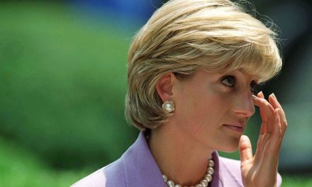 At Site of Her Death, Paris Wants to Rename Plaza 'Princess Diana Square'