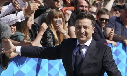Comedian Inaugurated as Ukraine's New President Immediately Disbands Parliament