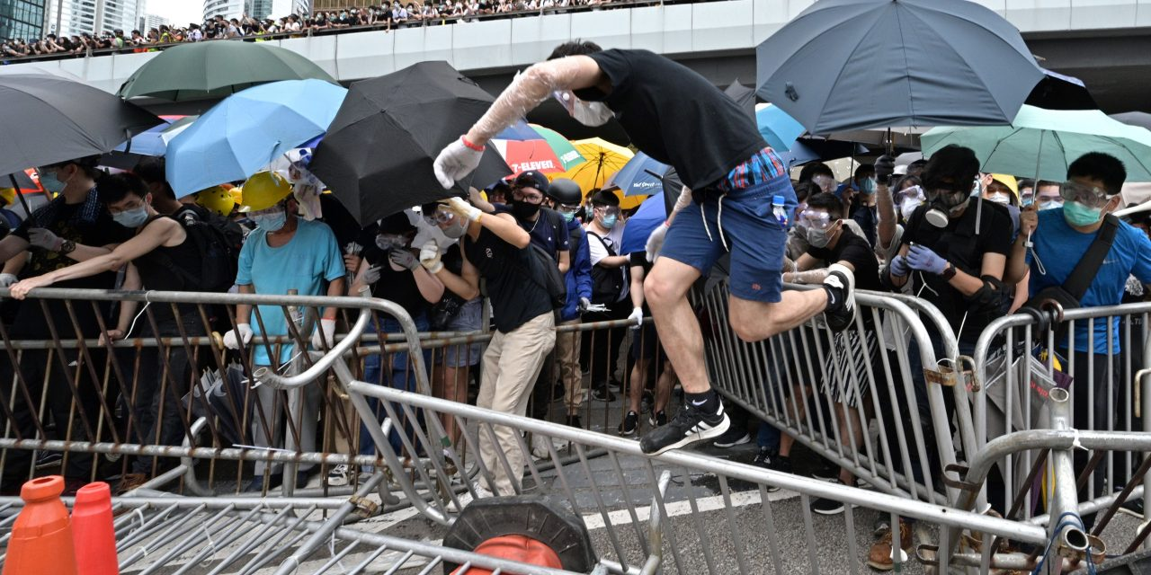 Protests Over a Divisive Extradition Bill Turn Violent in Hong Kong