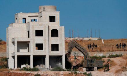 Israel Begins Demolishing Palestinian Homes in East Jerusalem