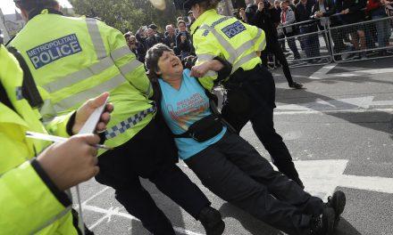 Climate Activists Block Central London Streets as Boris Johnson Derides Them as 'Uncooperative Crusties'