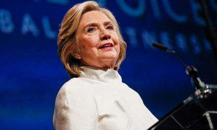 Hillary Clinton Calls U.K. Decision Not to Publish Report on Alleged Russian Interference 'Shameful'