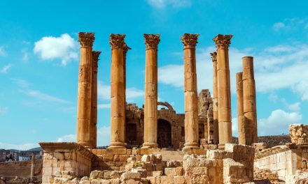 Attacker Stabs 8 People at Popular Jordanian Tourist Site
