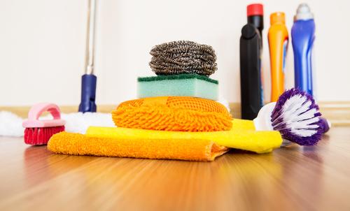 Strojové hloubkové čištění podlah řeší jejich čistotu i životnost